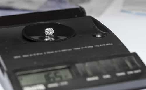 Diamond scale carats